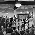 Kindermodeshow Fa Nooy Zandvoort, Bestanddeelnr 908-8614.jpg