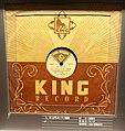 King record, 7005, 385, 1948 - Kanazawa Phonograph Museum - Kanazawa, Japan - DSC00923.jpg