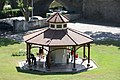 Kiosque Badoit à Saint-Galmier - panoramio.jpg