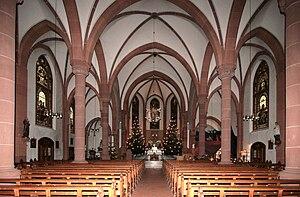 Old church's sanctuary/Chorraum der alten Kirche