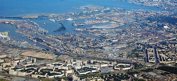 Kirovsky District (North) of Saint Petersburg 17Aug10.JPG