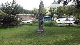 Kiss monument, Tallinn.jpg