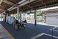 Kita-Matsumoto Station Platform 2017.jpg