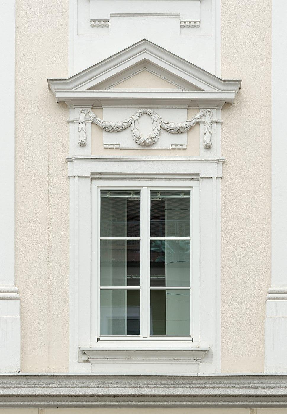 Klagenfurt Neuer Platz 14 Kaerntner Sparkassa S-Seite Fenster 23072016 3922