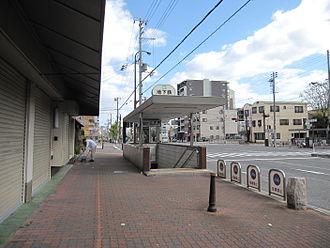 Kamisawa Station (Hyōgo) - Station entrance