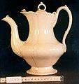 Koffiekan, creamware (1859), Petrus Regout & Co.jpg