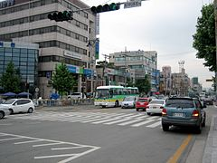 Korea-Gyeongju-Cityscape-Street and cars-02.jpg