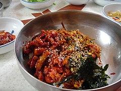 Korean cuisine-Nakji bibimbap-01.jpg