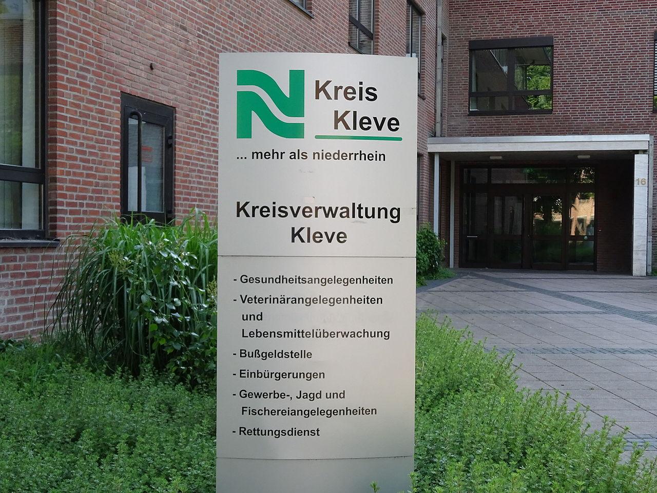 Kreisverwaltung Kleve Nassauerallee PM15 03 Infotafel.JPG