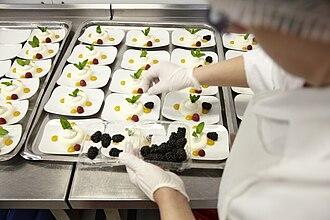 LSG Sky Chefs - Image: LH LSG Z7B4576 k