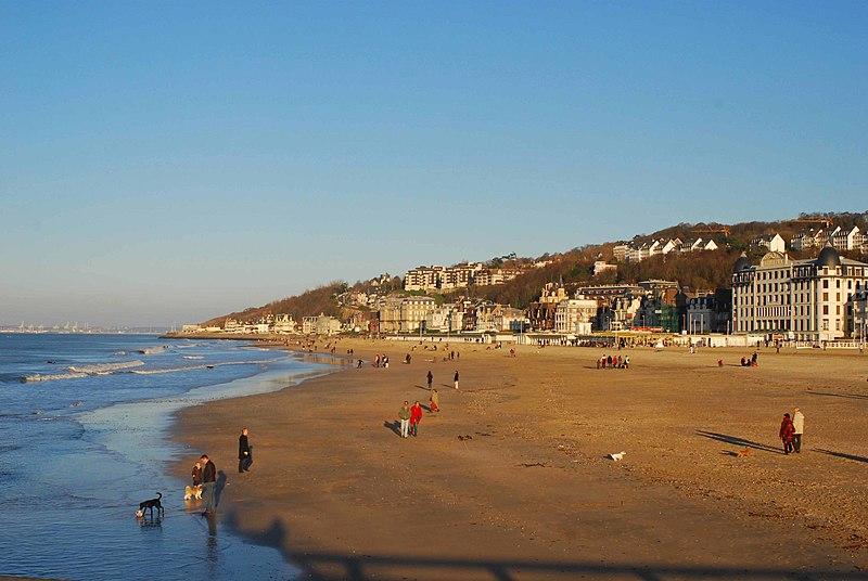 Fichier:La plage de Trouville.jpg