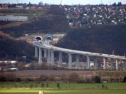 Jak do Lochkovský tunel hromadnou dopravou - O místě
