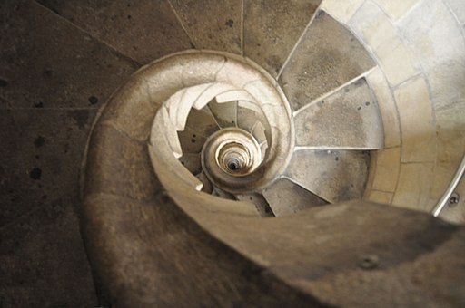 Lascar Spiraling tower stairs (resembling a shell) - Sagrada Familia (4469148371)