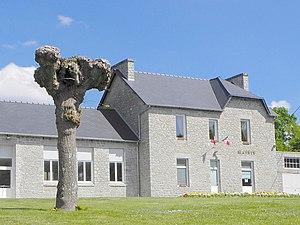 Le Hinglé - The town hall of Le Hinglé