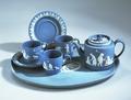 Ler- och stengods. Blå servis med vit dekor. Sent 1700-tal - Hallwylska museet - 89271.tif
