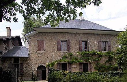 Les Charmettes, where Rousseau lived with Francoise-Louise de Warens from 1735 to 1736, now a museum dedicated to Rousseau LesCharmettes.jpg