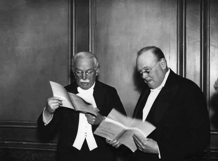 Liberal-party-winston-churchill and David Lloyd George in 1934
