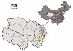 Tongren County (light red) within Huangnan Prefecture (yellow) and Qinghai