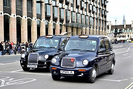 Black London taxis London - panoramio (206).jpg