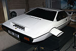 Lotus Esprit (The Spy Who Loved Me) front-left National Motor Museum, Beaulieu.jpg