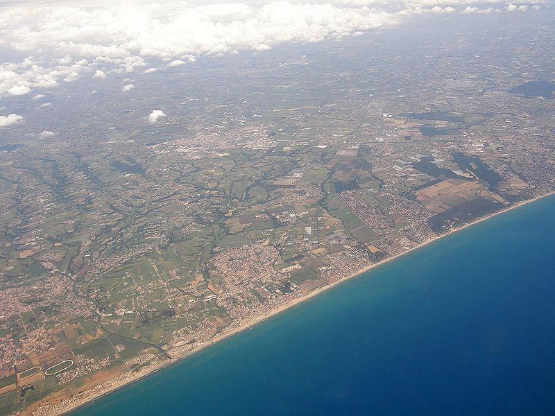File:Luftbild Italien Rom 03 (RaBoe).jpg
