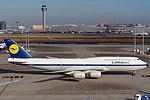 Lufthansa Boeing 747-8I D-ABYT (45910599305).jpg