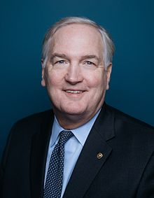 Luther Strange official portrait.jpg