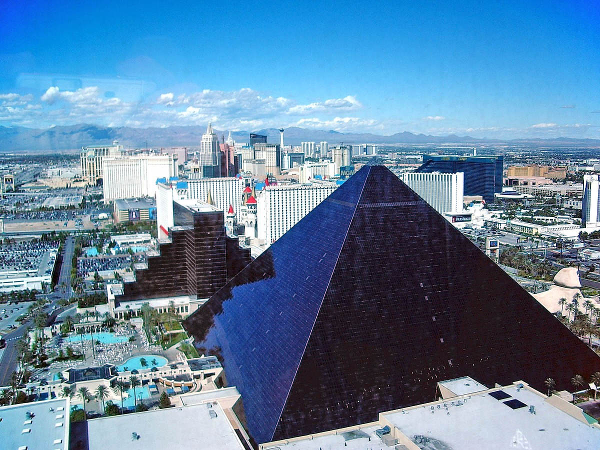 casino in vegas luxor