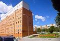 Madrid - Bloque de viviendas La Herradura, Barrio de Media Legua, Distrito de Moratalaz 1.jpg
