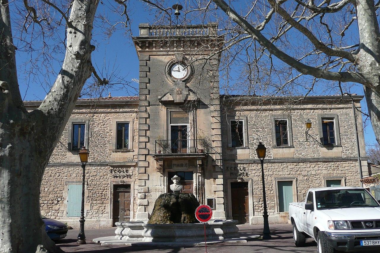 Mairie Paradou.JPG