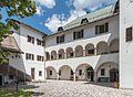 Malborghetto Via Bamberga Palazzo Veneziano arcate 26062015 5559.jpg