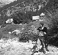 """Marinčič s """"kožo"""" na hrbtu in """"gaubo"""" na glavi 1952.jpg"""