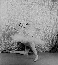 Bailarina de ballet es manoseada por dos desconocidos para verla completa haz clic aqui httpmitlyus5ylb - 3 1