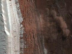 Mars Avalanche Hirise.jpg
