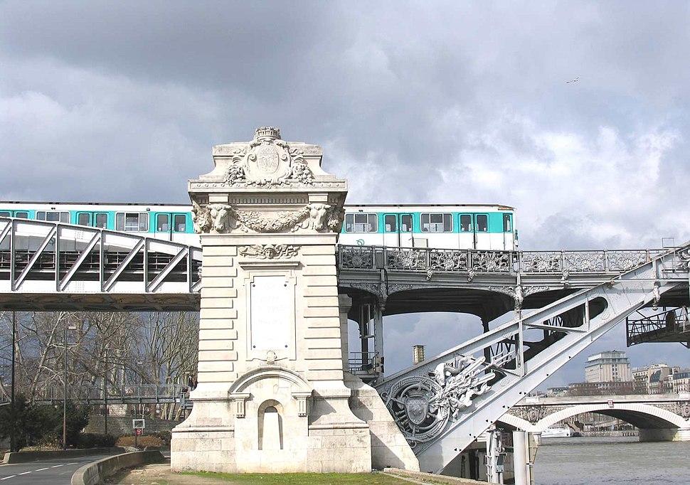 Metro-sur-viaduc-Austerlitz