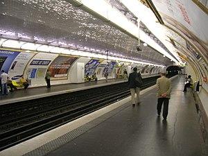 Porte de Choisy (Paris Métro) - Image: Metro 7 Porte de Choisy quais