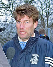 Laudrup in veste di tecnico del Brøndby nel 2005