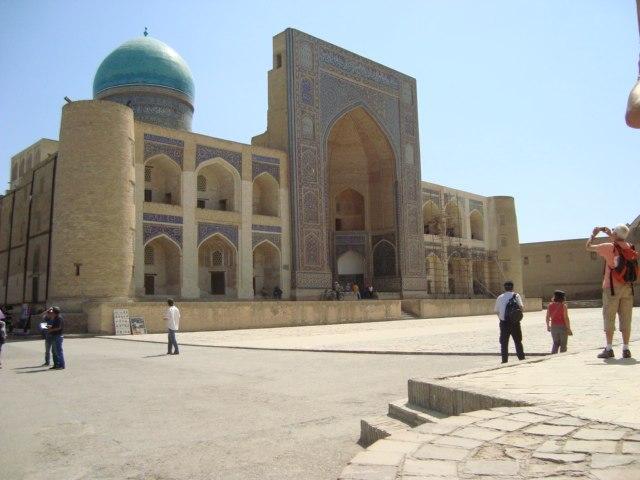 Mir-i-Arab madrasa outside general view