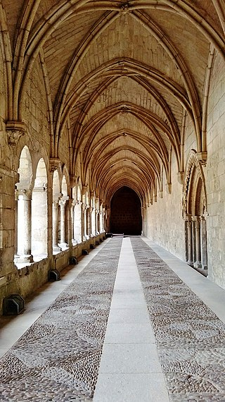Monasterio de Santa María la Real de Burgos (claustro).jpg