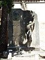 Monumento funerario a Alfredo Calderón.jpg