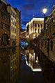 Mooi verlichte Stadhuisbrug in Utrecht - panoramio.jpg