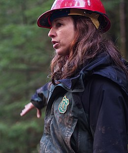 Mt. Hood NF Employee Supervises Stream Restoration cropped.jpg
