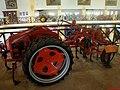 Museu Agromen de Tratores e Implementos Agrícolas, localizado no complexo do Centro Hípico e Haras Agromen em Orlândia. Trator Allis-Chalmers Modelo G. O modelo G foi projetado para pequenos agricultore - panoramio.jpg