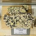 Museum Uranbergbau - Mineralien - Turmalingranit mit Authunit, Hundshübel-9673.jpg