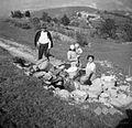 """Na Studencu """"v Valci"""" dve ženski in stari Dolan (84 let), Dvori 1949.jpg"""