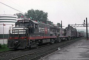 New Haven 2520 (U25B) going through Danbury, CT on Matbrook freight line, July 28, 1968 (22366087578).jpg