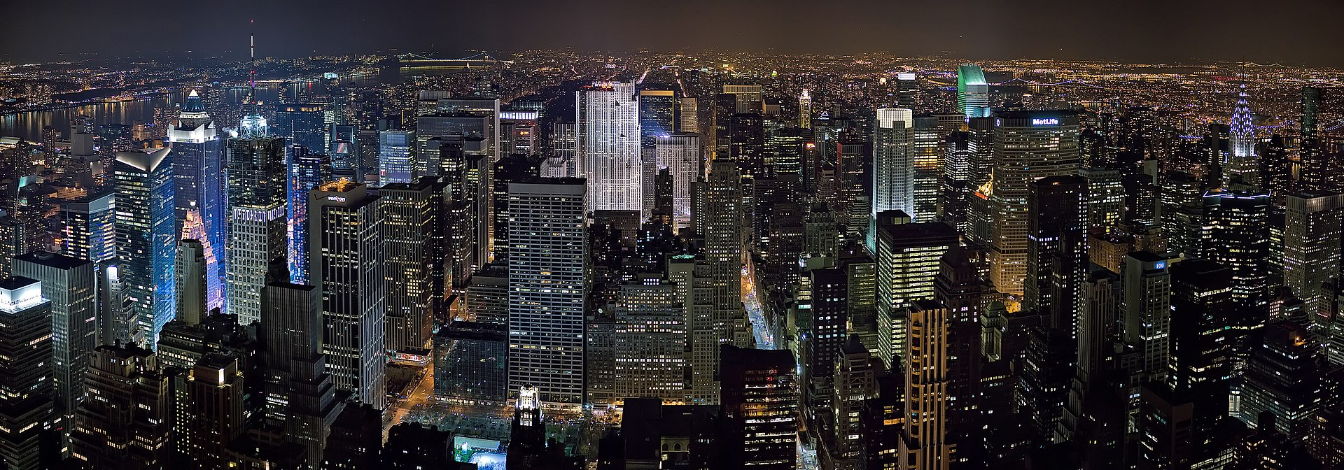 Panaromic view of Midtown Manhattan from the Empire State Building