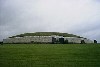 Lebor Gabála Érenn - In Lebor Gabála Érenn, the Tuatha Dé Danann are closely associated with the ancient passage graves of Brú na Bóinne such as Newgrange