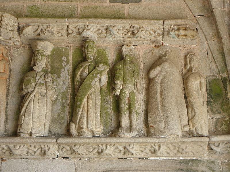 Porche sud de l'église Sainte-Noyale de Noyal-Pontivy (56). Costale intérieure est. Apôtres.