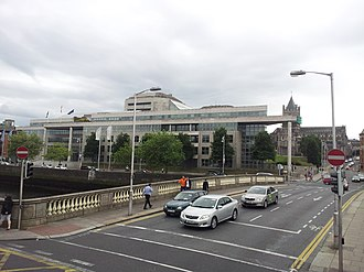 O'Donovan Rossa Bridge - Cars on the bridge
